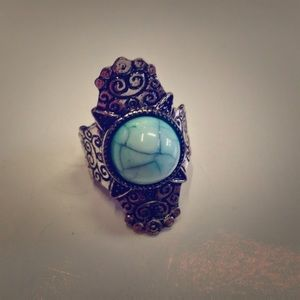 Jewelry - VTG TURQUOISE ESTATE SALE SILVER STRETCHED RING.